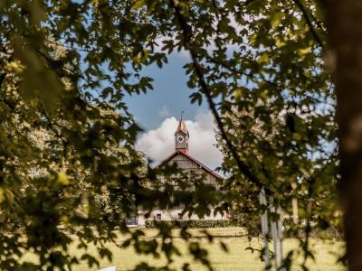 Eventscheune Wallenburg im Sommer